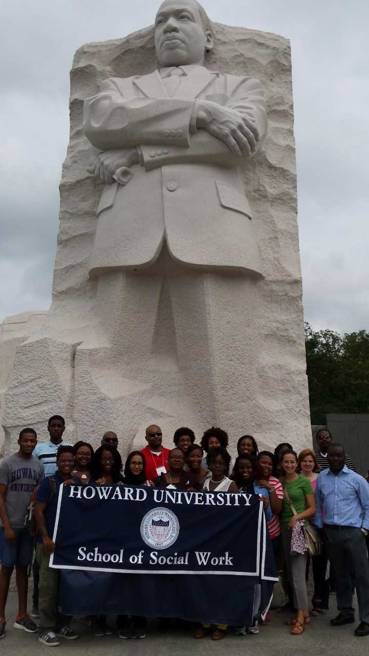 Students at Martin Luther King Jr Memorial
